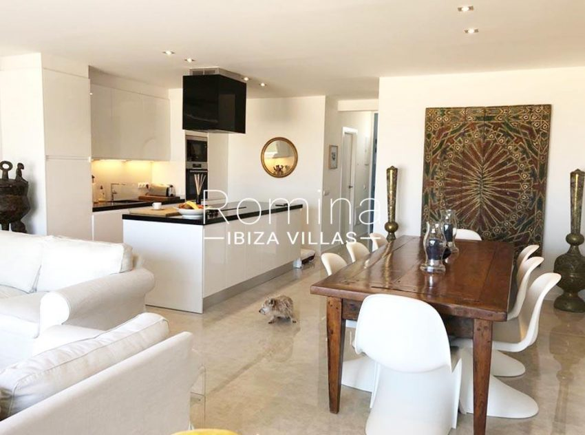 romina-ibiza-villas-rv-878-01-adosado-solis-3zdining area kitchen