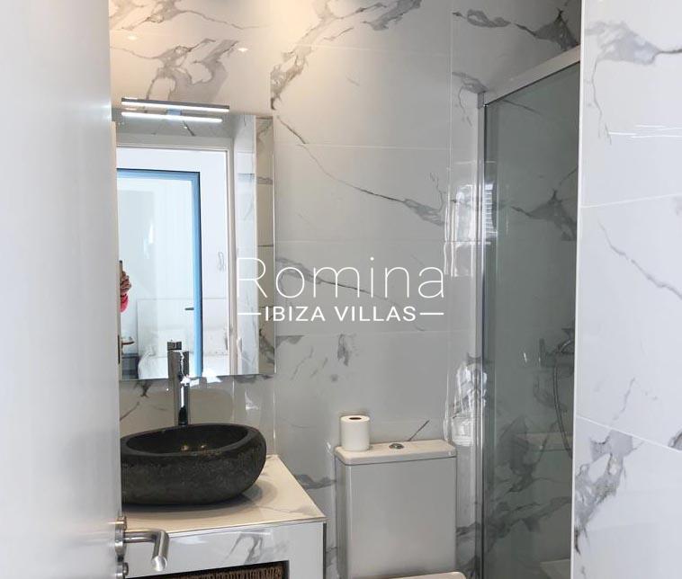 romina-ibiza-villas-rv-878-01-adosado-solis-5shower room