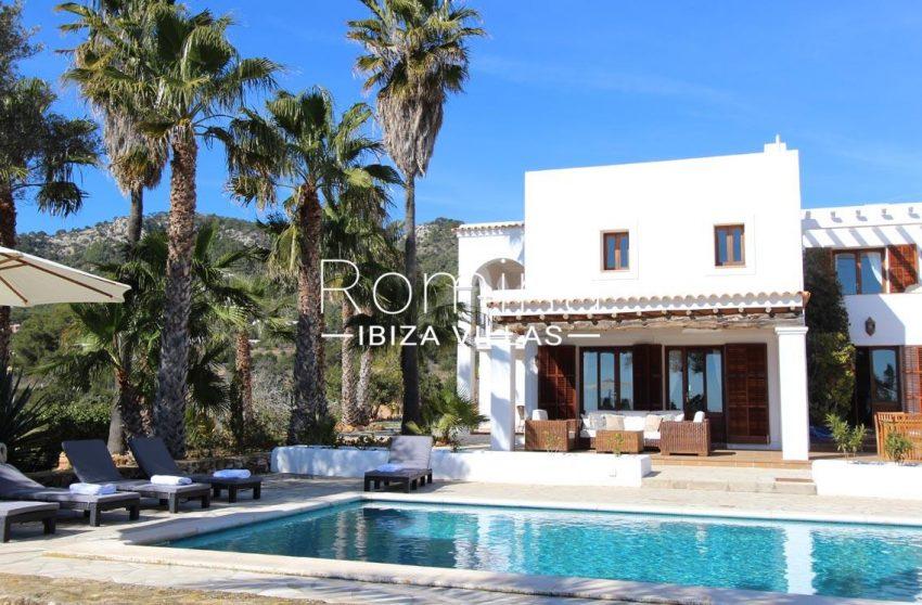 villa alix ibiza-2pool facade porch