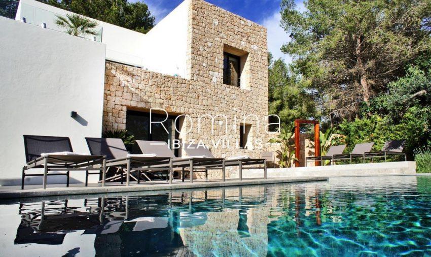 villa ambar ibiza-2pool facade2