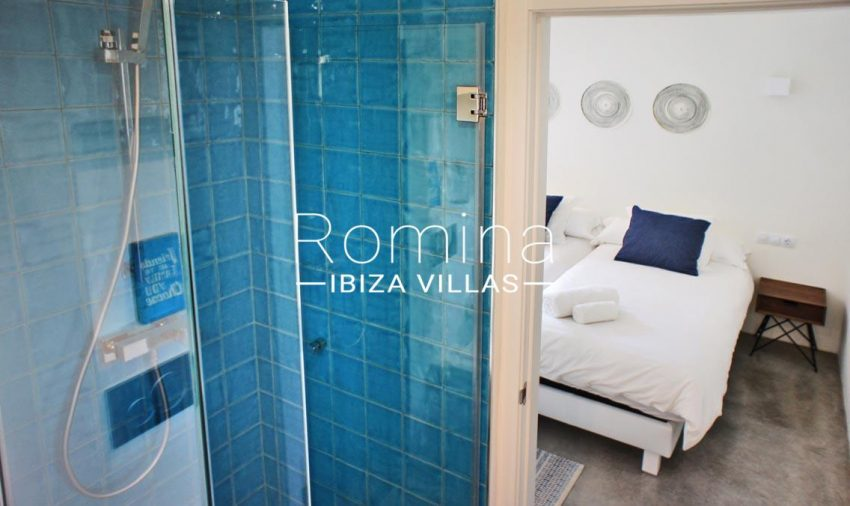 villa ambar ibiza-4bedroom4 shower room