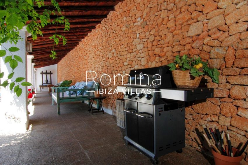 villa begonia ibiza-2porch barbecue