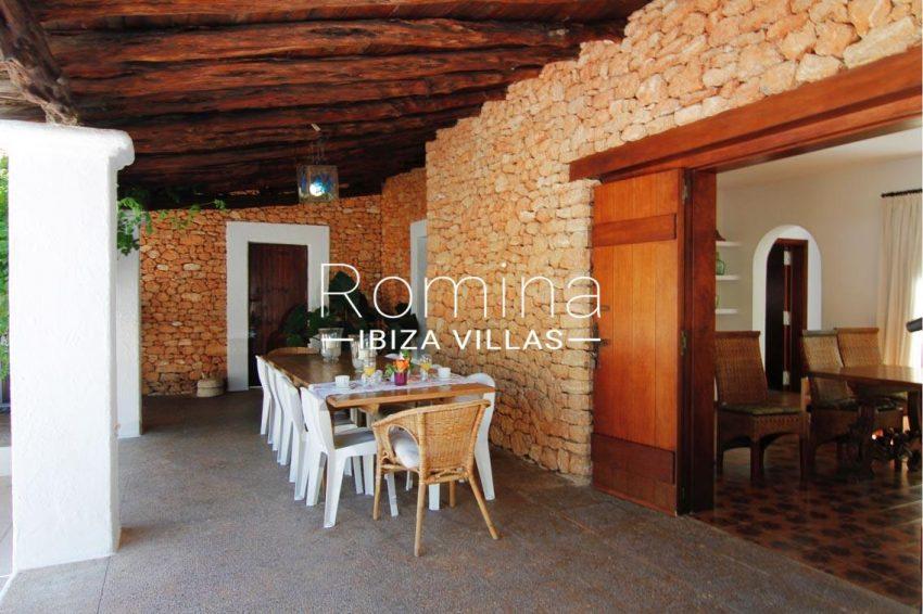 villa begonia ibiza-2porch dining area2