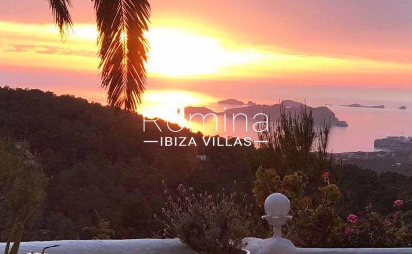 villa iluna ibiza-1sunset over the sea