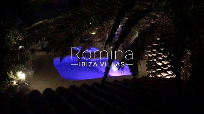 villa iluna ibiza-2pool by nicht