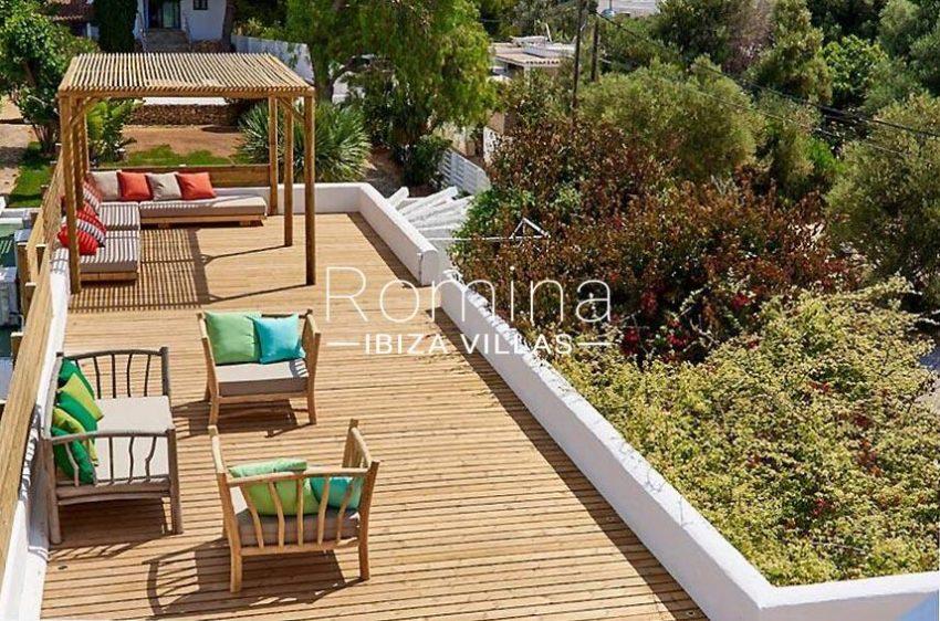 villa tili ibiza-2roof deck pergola sitting area