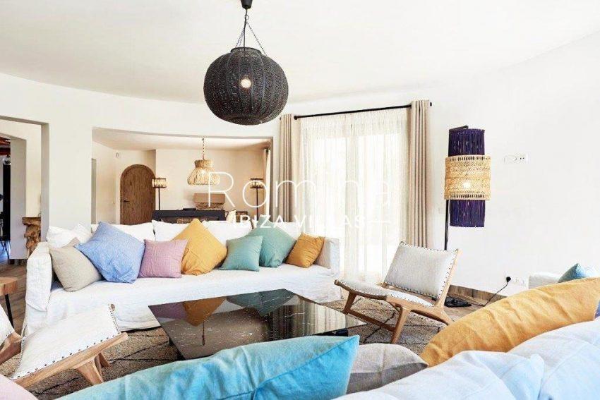 villa tili ibiza-3living room