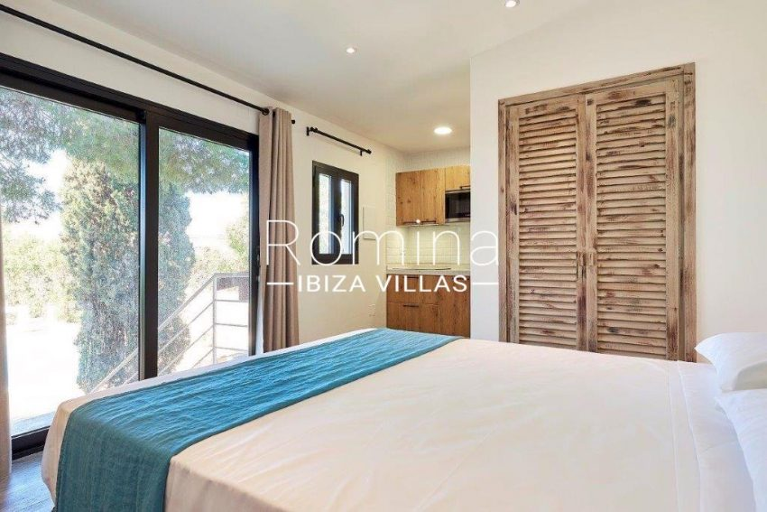 villa tili ibiza-4bedroom kitchen studio2bis