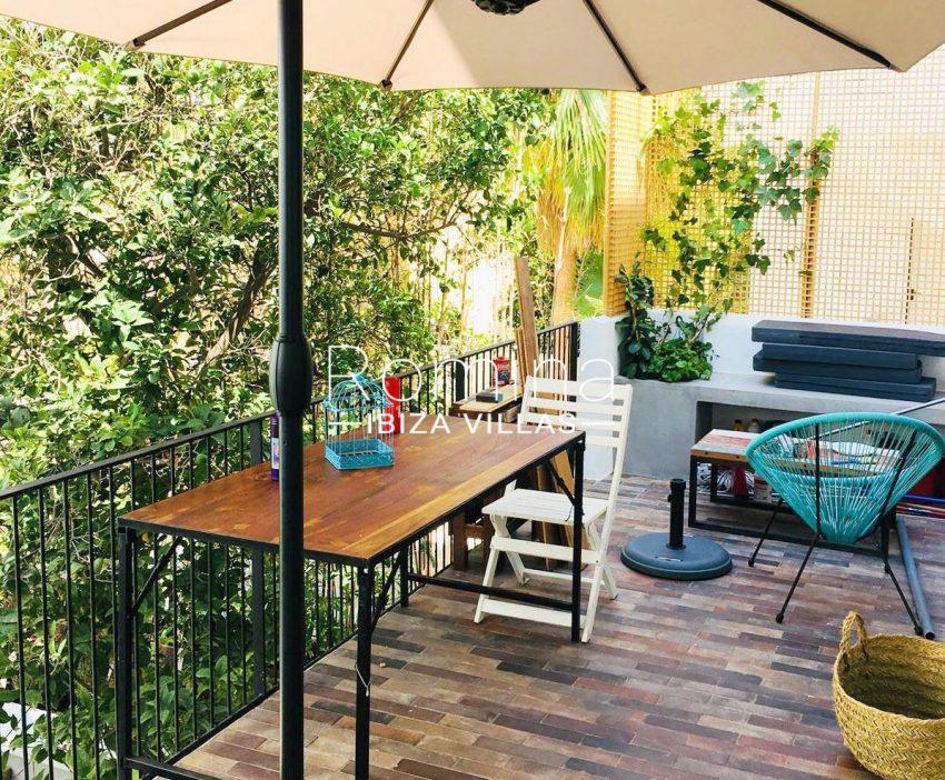 apto jardin ciudad-2terrace parasol