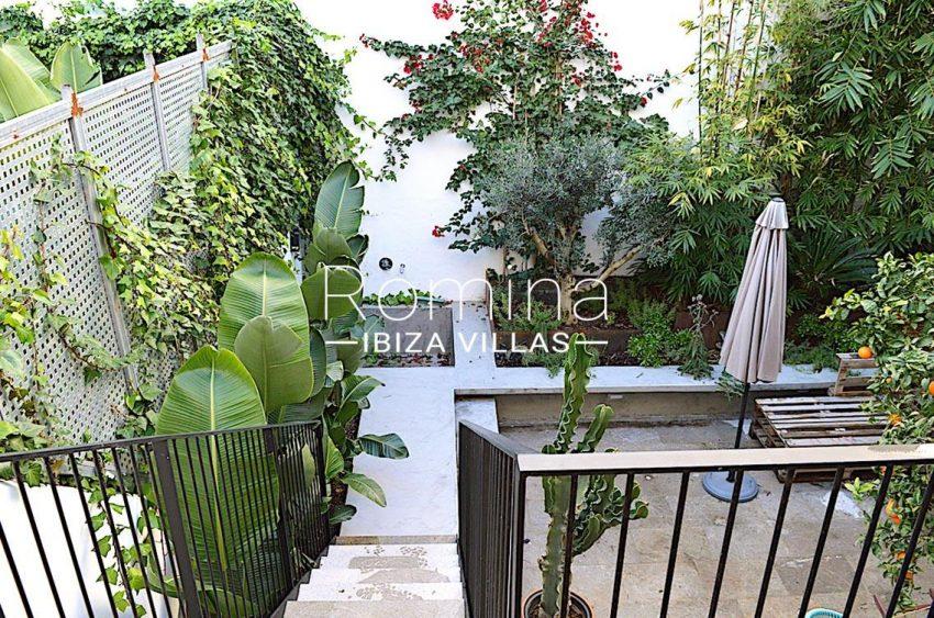 apto jardin ciudad-2terrace stairs garden2