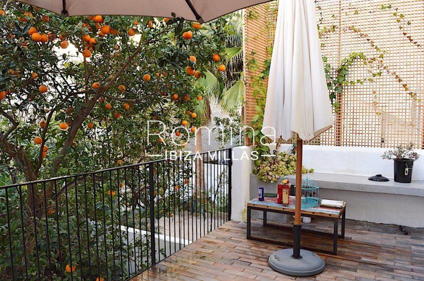 apto jardin ciudad-2terrace tangerine tree