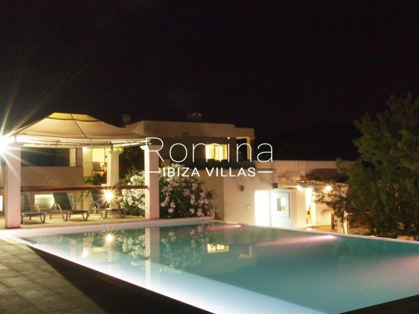 casa pouas ibiza-2pool terrace by night2