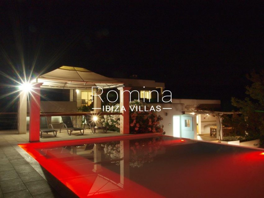 casa pouas ibiza-2pool terrace by night3