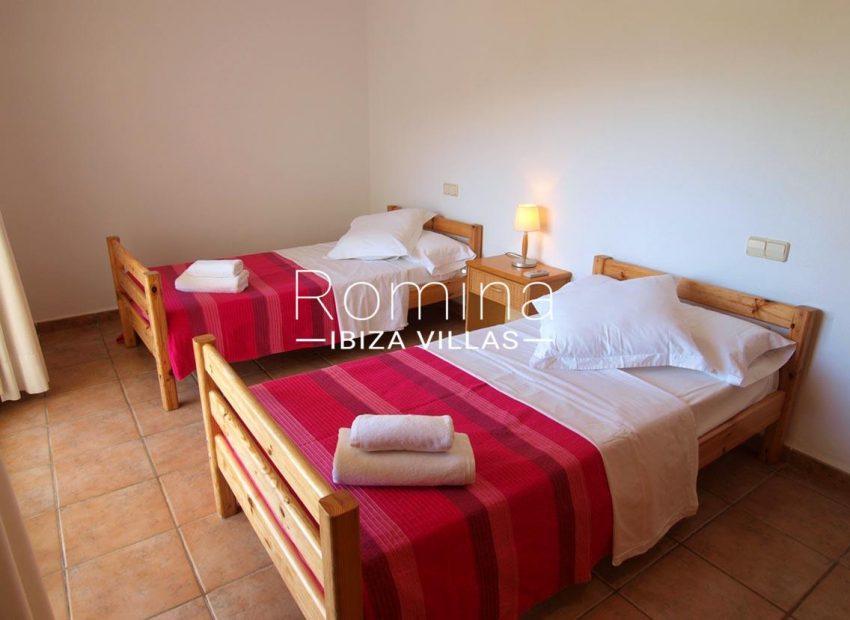 casa pouas ibiza-4bedroom twin1