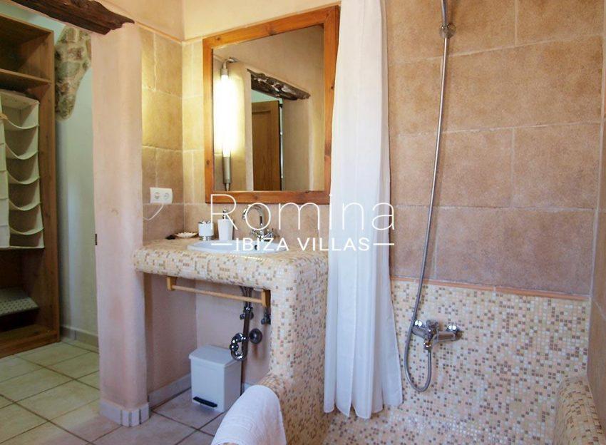 casa vergel ibiza-5bathroom