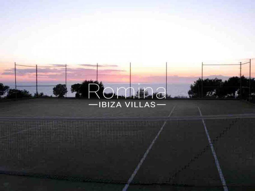 casita moli ibiza-1sunset paddle court