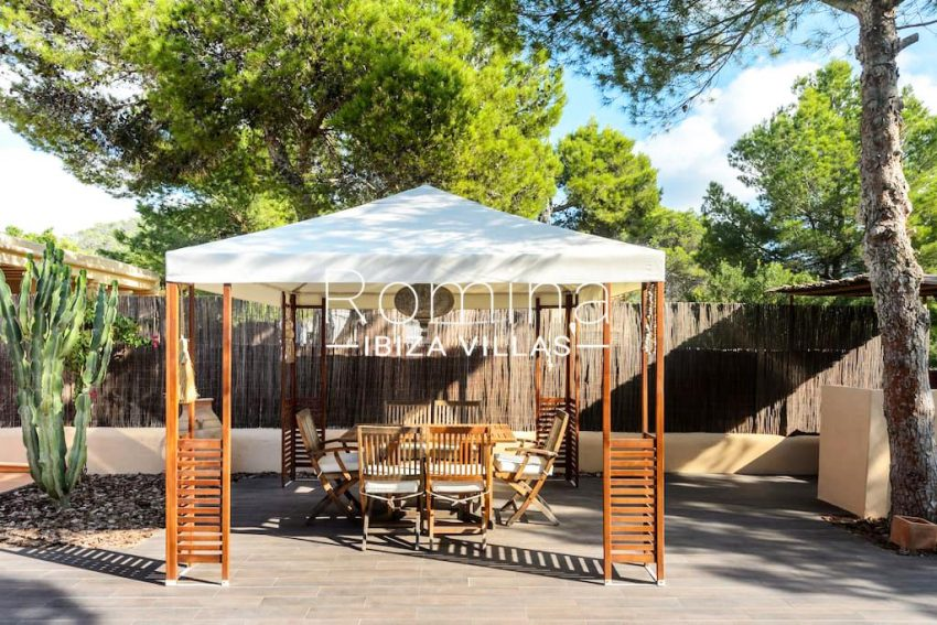casita moli ibiza-2gazebo dining area