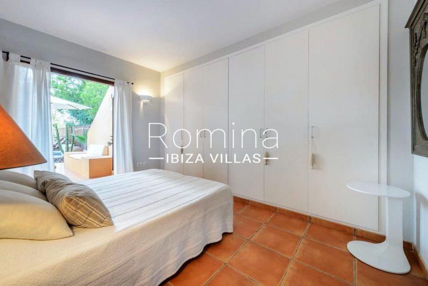 casita moli ibiza-4bedroom1 wardrobes