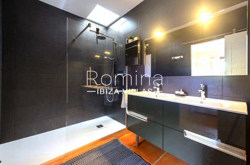 casita moli ibiza-5shower room en suite