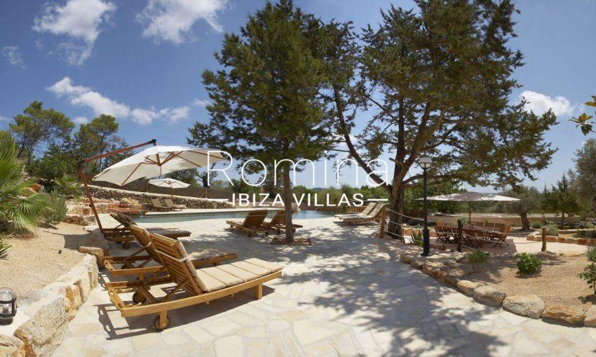 finca kanya ibiza-2pool terraces diningarea