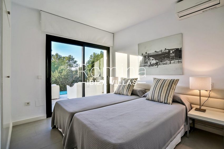 villa Pomba ibiza-4bedroom1 terrace pool