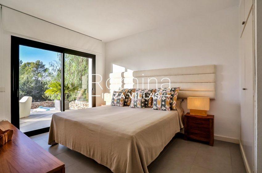 villa Pomba ibiza-4bedroom3 terrace pool2