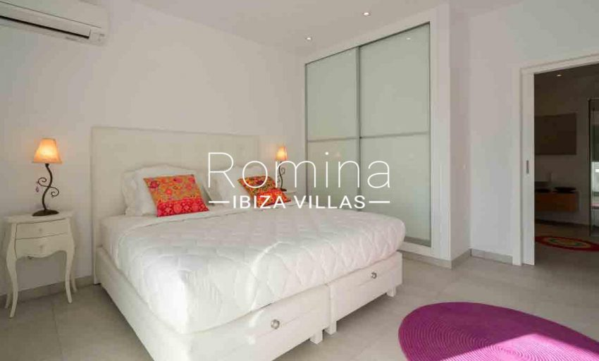 villa jecinda ibiza-4bedroom3
