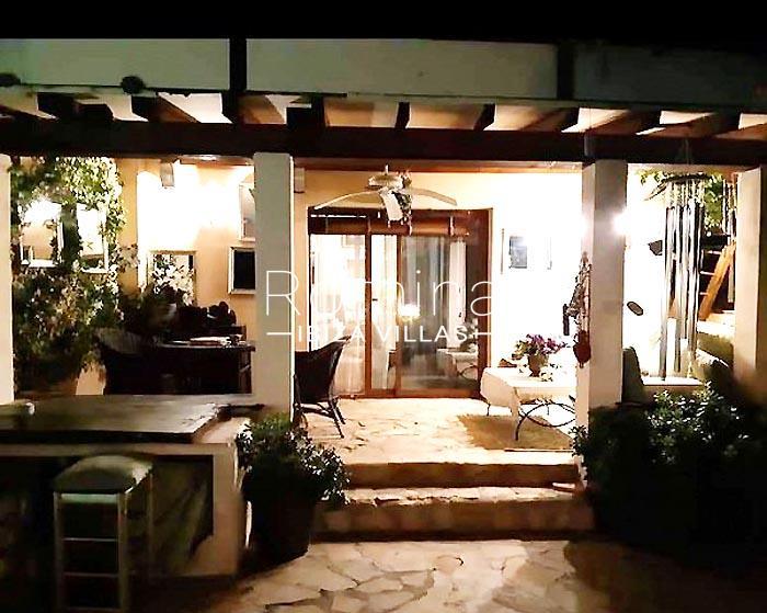 villa maisy ibiza-2porch by night