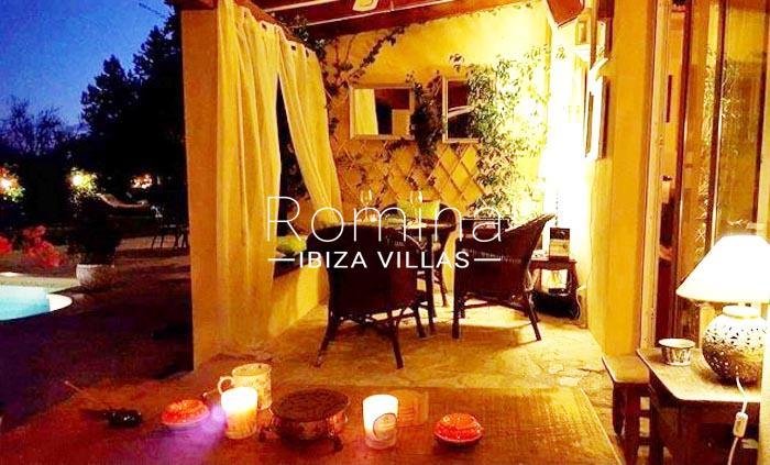 villa maisy ibiza-2porch dining area by night