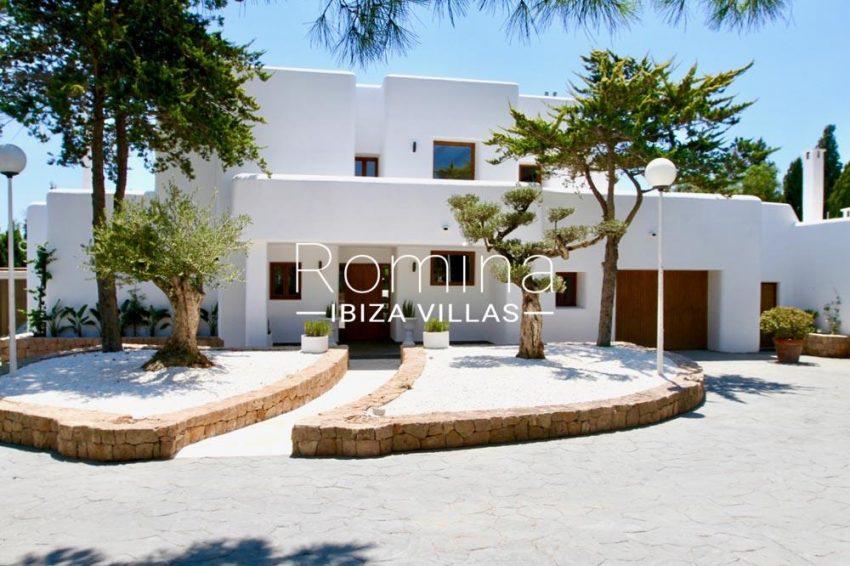 villa parque ibiza-2entrance facade