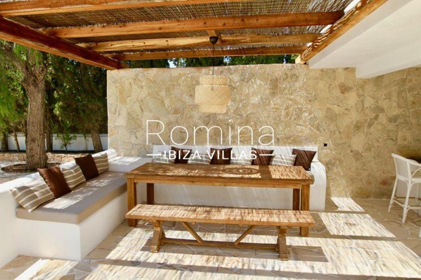 villa parque ibiza-2pergola dining area2