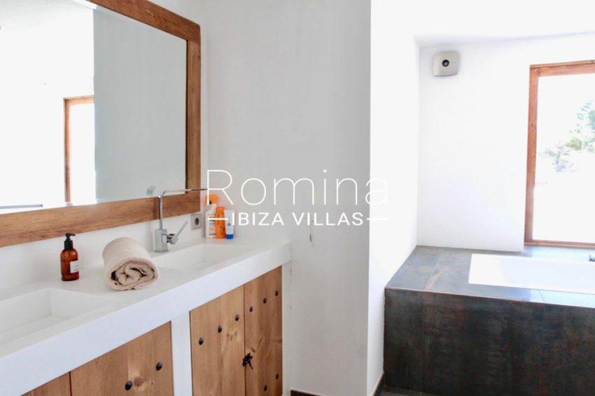 villa parque ibiza-5bathroom1bis