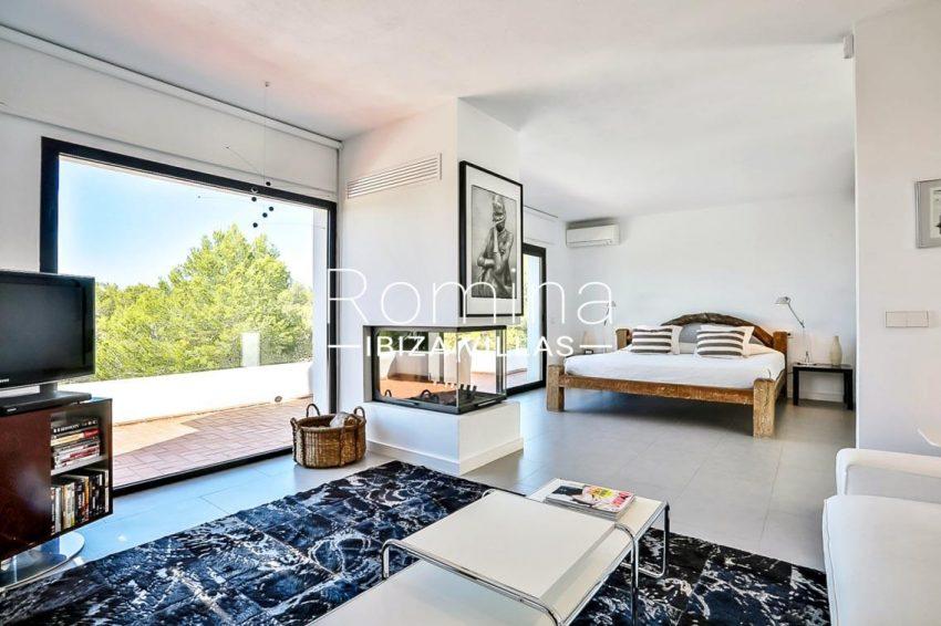 villa pomba ibiza-4master bedroom2
