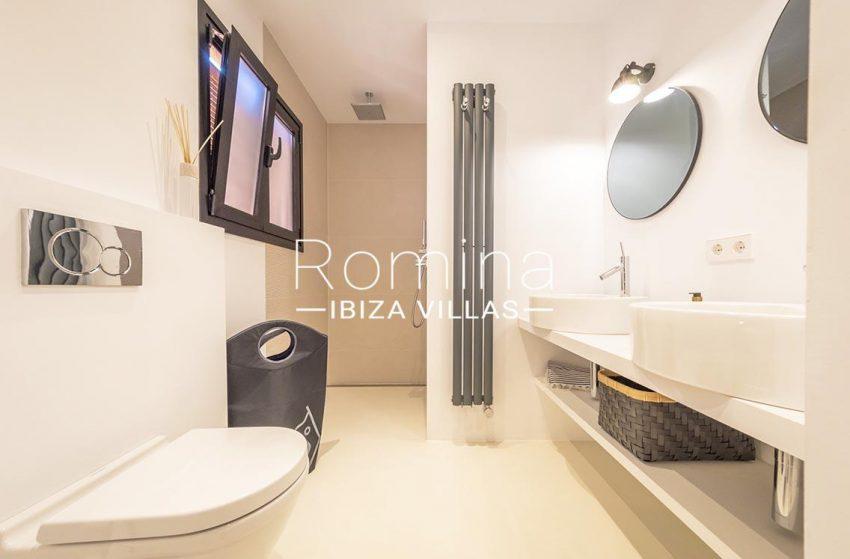 apto gaya ibiza-5bathroom