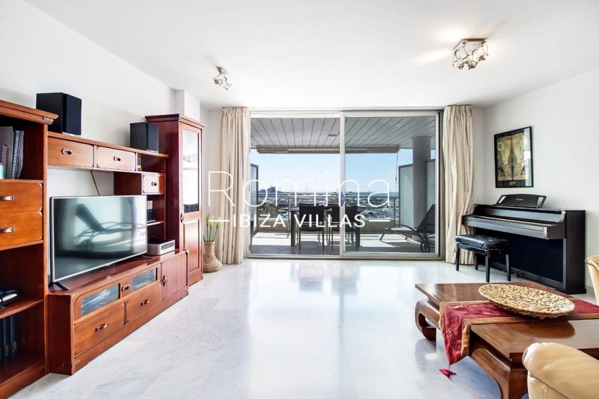 apto miramar paseo ibiza-3living room terrace