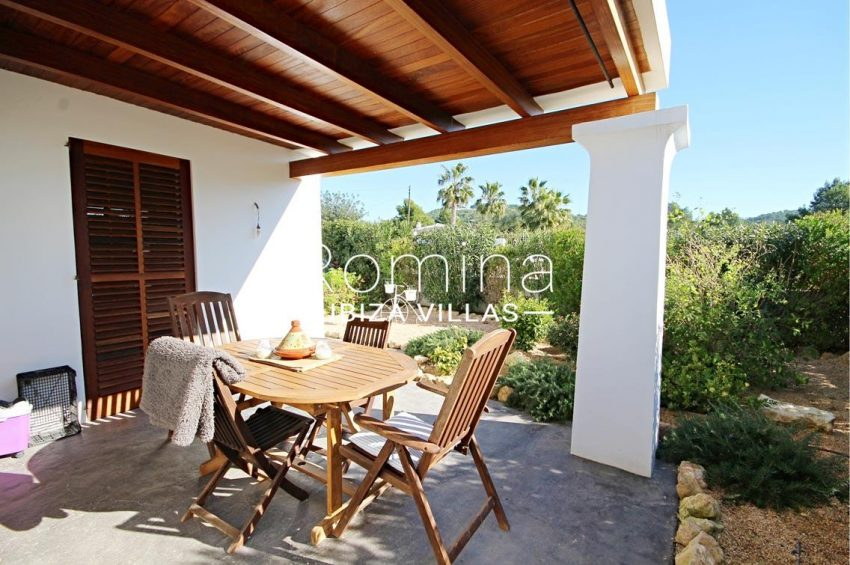 casa landy ibiza-2porch dining area