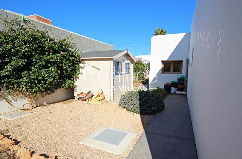 casa landy ibiza-2rear garden