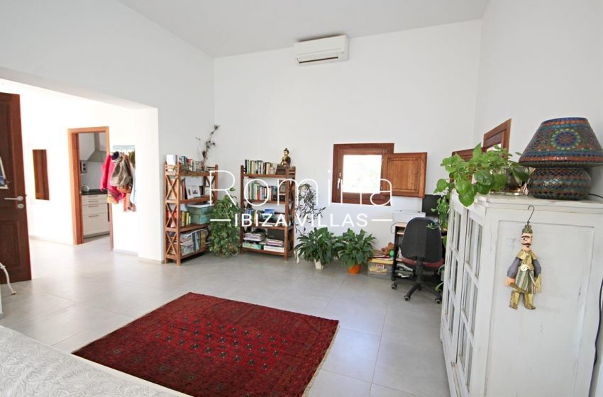 casa landy ibiza-3living room desk2