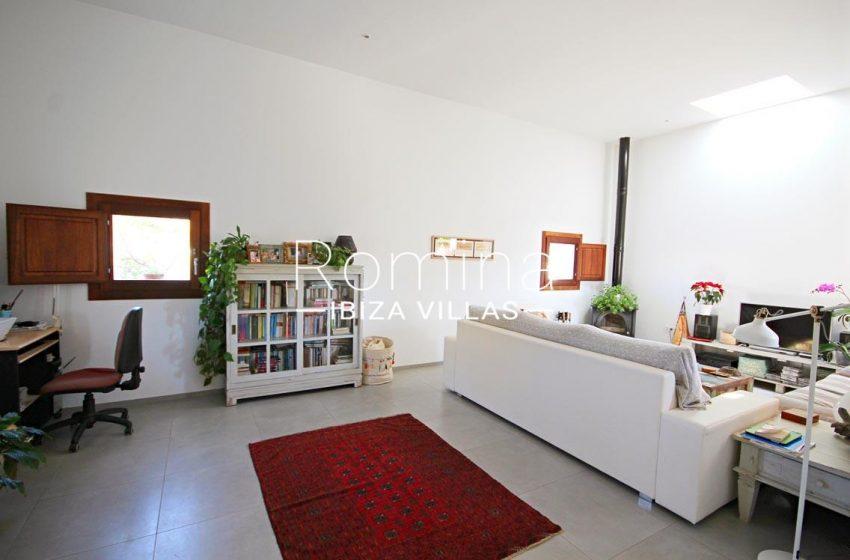 casa landy ibiza-3living room dsk