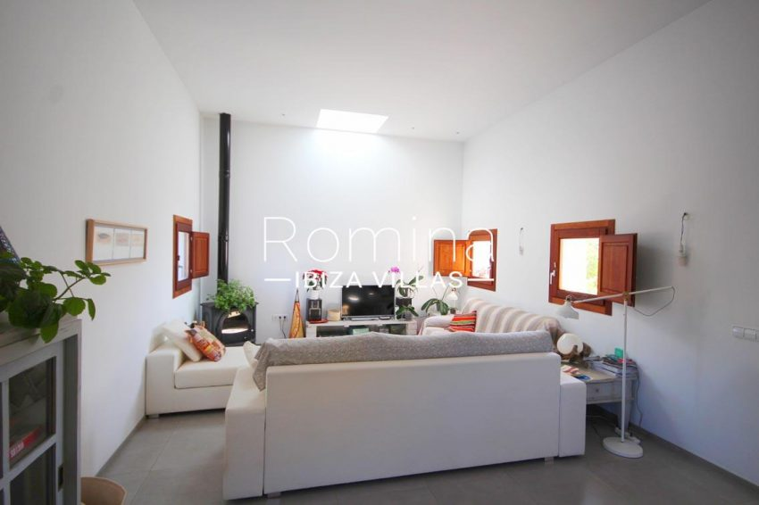casa landy ibiza-3living room srove2