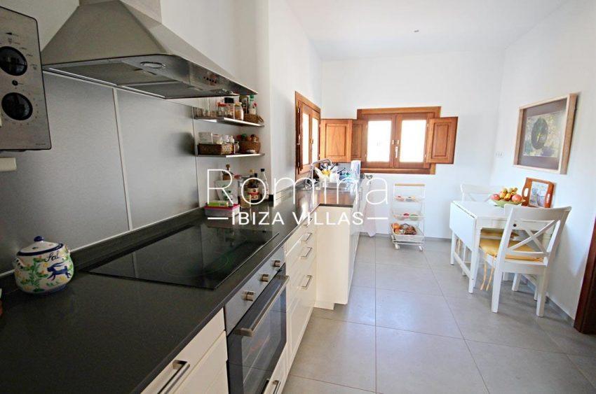 casa landy ibiza-3zkitchen diningarea