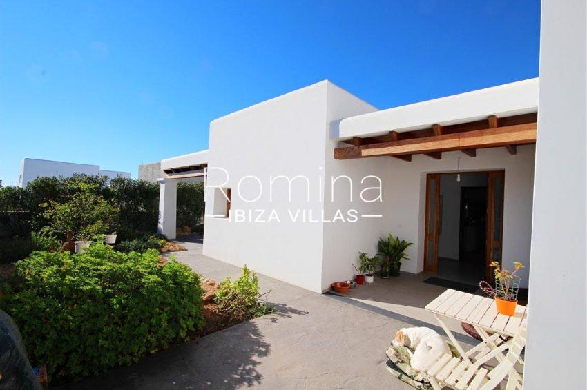 casa landy ibiza-entrance porch