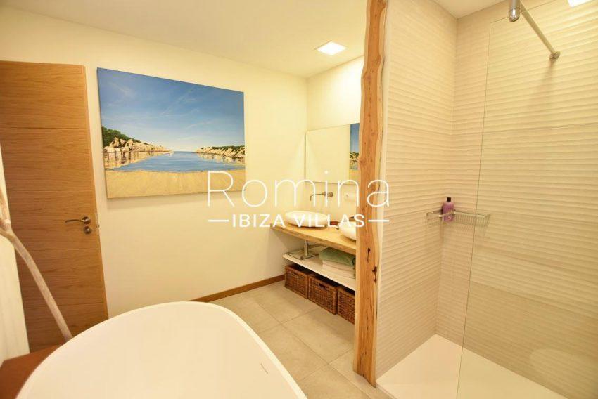 casa lau ibiza-5shower room1bis