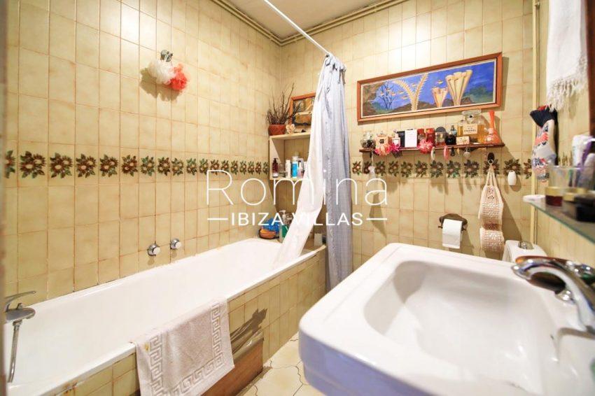 duplex marina ibiza-5bathroom2