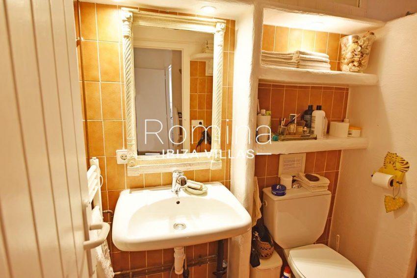 finca jaden ibiza-5bathroom