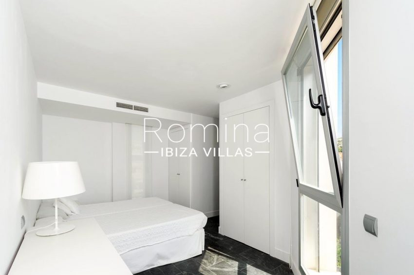 penthouse awa ibiza-4bedroom wardrobes