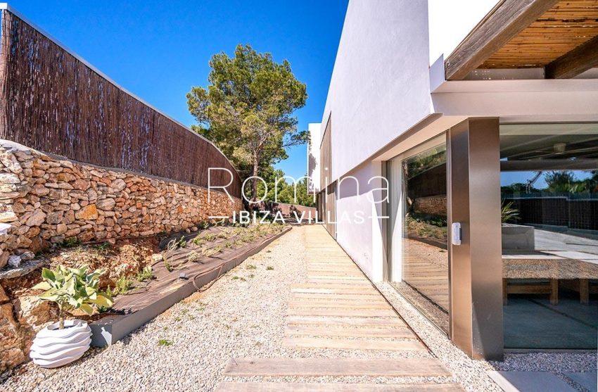 villa natalia ibiza-2side facade alley