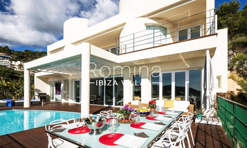 villa sedna ibiza-2pool facade dining area