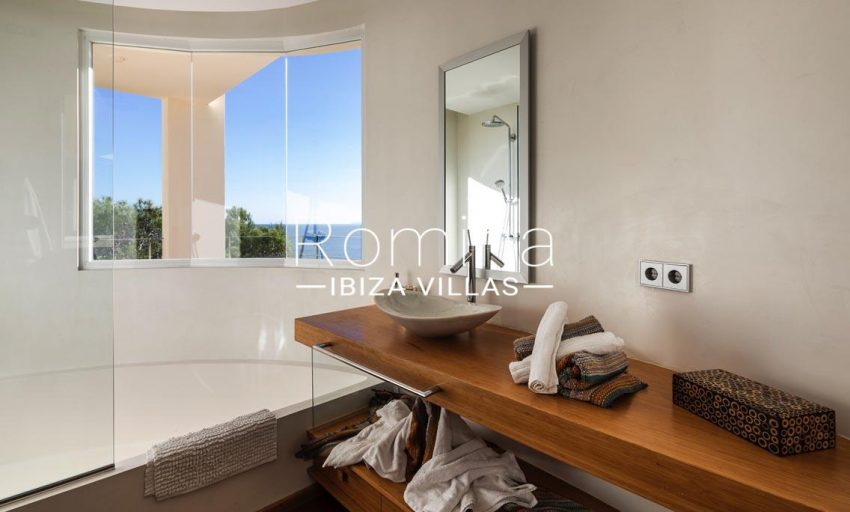 villa sedna ibiza-5bathroom2 sea view