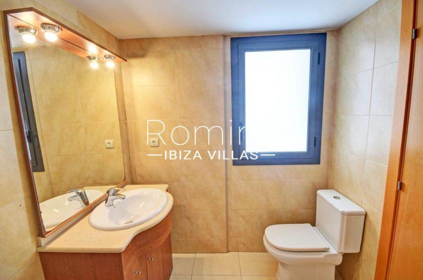 apto yesi ibiza-5bathroom2